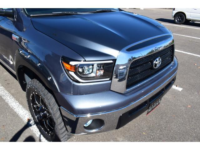 クルーマックス 2007年モデル リフトアップ 新品20インチタイヤホイール 新品ヘッドライト 新品テール 新品オーバーフェンダー 革シート 地デジナビ バイパーセキュリティ エンジンスターター(16枚目)