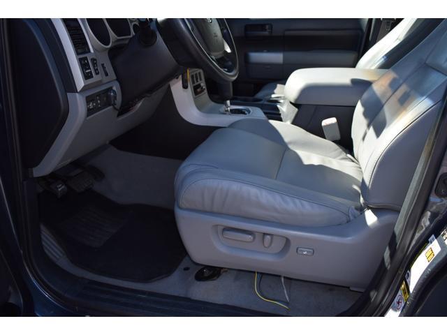 クルーマックス 2007年モデル リフトアップ 新品20インチタイヤホイール 新品ヘッドライト 新品テール 新品オーバーフェンダー 革シート 地デジナビ バイパーセキュリティ エンジンスターター(19枚目)