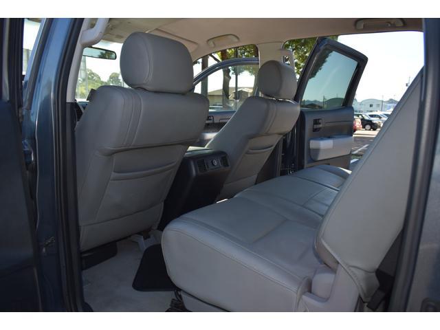 クルーマックス 2007年モデル リフトアップ 新品20インチタイヤホイール 新品ヘッドライト 新品テール 新品オーバーフェンダー 革シート 地デジナビ バイパーセキュリティ エンジンスターター(20枚目)