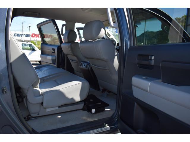 クルーマックス 2007年モデル リフトアップ 新品20インチタイヤホイール 新品ヘッドライト 新品テール 新品オーバーフェンダー 革シート 地デジナビ バイパーセキュリティ エンジンスターター(21枚目)