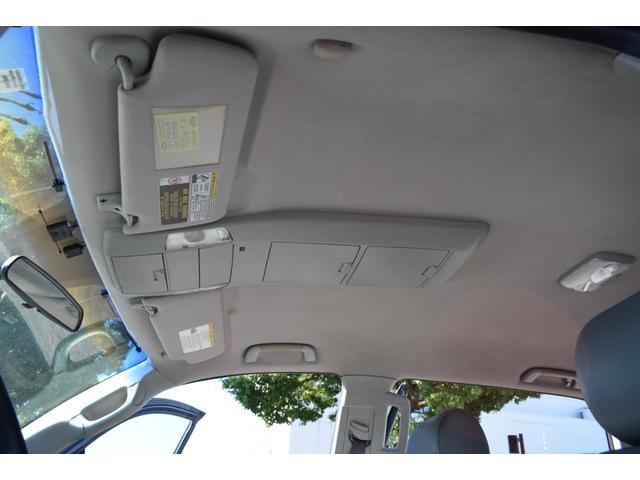 クルーマックス 2007年モデル リフトアップ 新品20インチタイヤホイール 新品ヘッドライト 新品テール 新品オーバーフェンダー 革シート 地デジナビ バイパーセキュリティ エンジンスターター(25枚目)