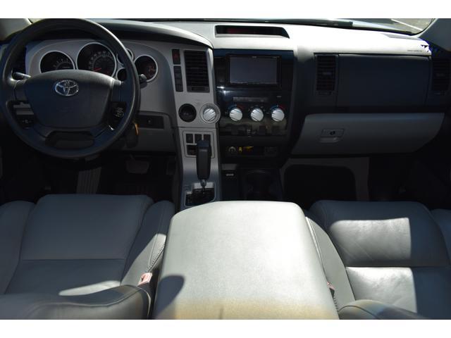 クルーマックス 2007年モデル リフトアップ 新品20インチタイヤホイール 新品ヘッドライト 新品テール 新品オーバーフェンダー 革シート 地デジナビ バイパーセキュリティ エンジンスターター(32枚目)