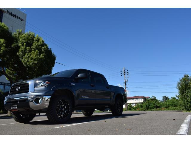 クルーマックス 2007年モデル リフトアップ 新品20インチタイヤホイール 新品ヘッドライト 新品テール 新品オーバーフェンダー 革シート 地デジナビ バイパーセキュリティ エンジンスターター(37枚目)