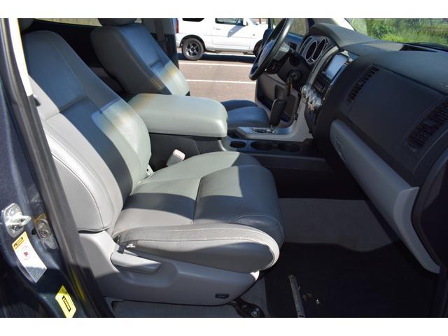 クルーマックス 2007年モデル リフトアップ 新品20インチタイヤホイール 新品ヘッドライト 新品テール 新品オーバーフェンダー 革シート 地デジナビ バイパーセキュリティ エンジンスターター(44枚目)