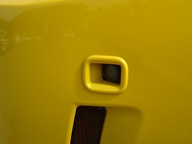 フロントカメラ付です。狭い駐車場等での切り返し等で役にたちそうですね。