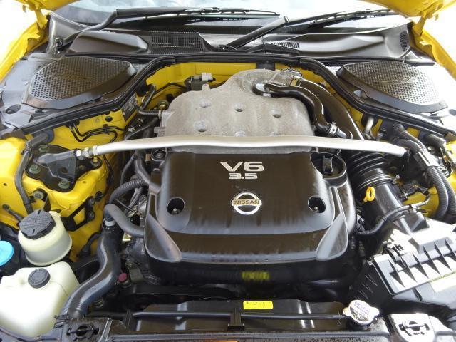 エンジンも年式のわりに綺麗です。前オーナー様が大切にお使いいただいてたのが分かります。