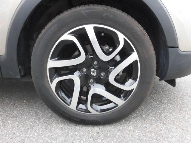 ★ブラック塗装の17インチアルミ装着、タイヤサイズは、205/55R17です。