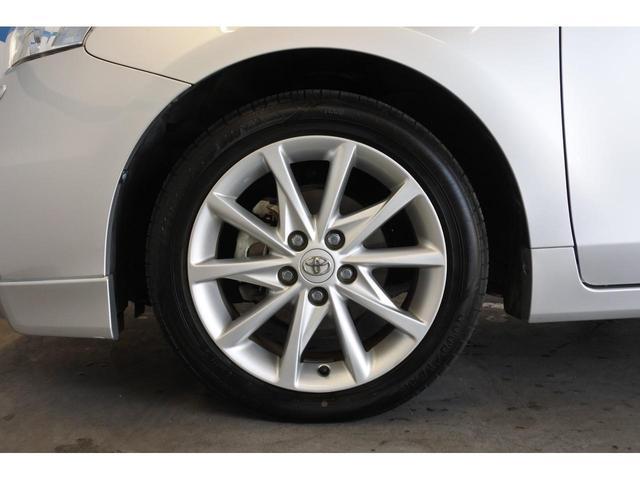 17インチ純正アルミホイール付きのタイヤです。冬季スタッドレスタイヤも販売させて頂いております。ご検討下さい。
