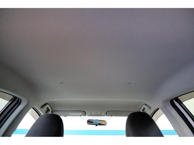 天井も綺麗です。まるまるクリーンにて細かな作業が行われてます。