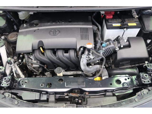 エンジンルームの汚れも綺麗にクリーニング!エンジンルームが綺麗ですと、不具合等の発見もし易く、コンディションのチェックや維持の面でとってもプラスです。