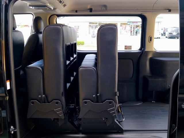 ロングスーパーGL 8人乗車 車中泊ベッド フローリング施工(10枚目)