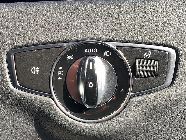 E250 ステションワゴンアバンGスポツ(本革仕様) 純正HDDTV 全カメラ レザーエクスクルーシブ ブルメスター エアバランスPKG シートセットメモリー シートヒーター アンビエントライト スマートキー LED パワーバックドア(31枚目)