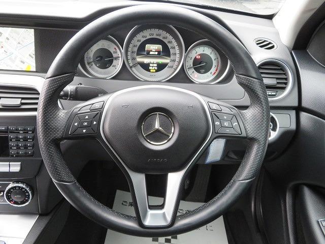 運転中でも音量調節が可能な【ステアリングスイッチ】装備です!