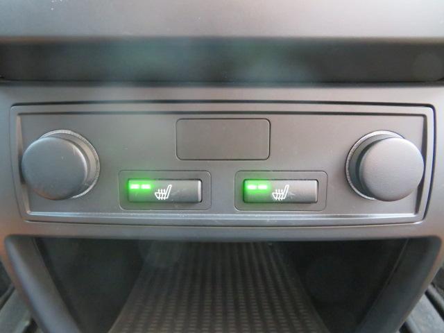 xDrive 35dブルーパフォーマンス 純正ナビ 黒革(7枚目)
