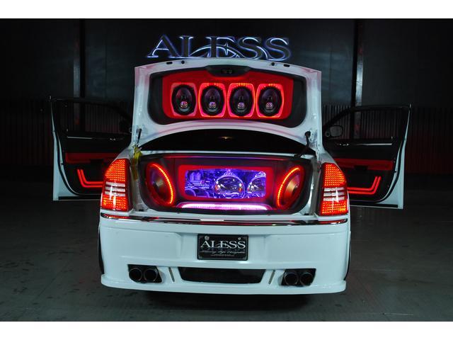 5.7HEMI エアサス トランクオーディオ フルカスタム車(15枚目)