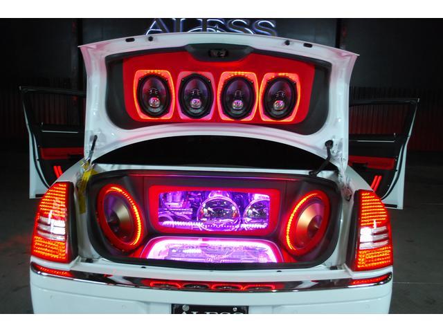 5.7HEMI エアサス トランクオーディオ フルカスタム車(16枚目)