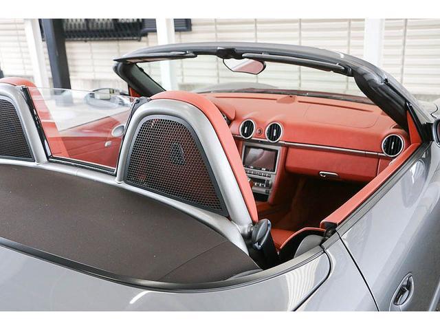 ボクスターS 正規ディーラー車 左ハンドル シールグレーメタリック レッドレザーインテリア ブラウンソフトトップ HIDヘッドライト カロッツェリアナビ フルセグTV バックカメラ シートヒーター レッドキャリパー(20枚目)
