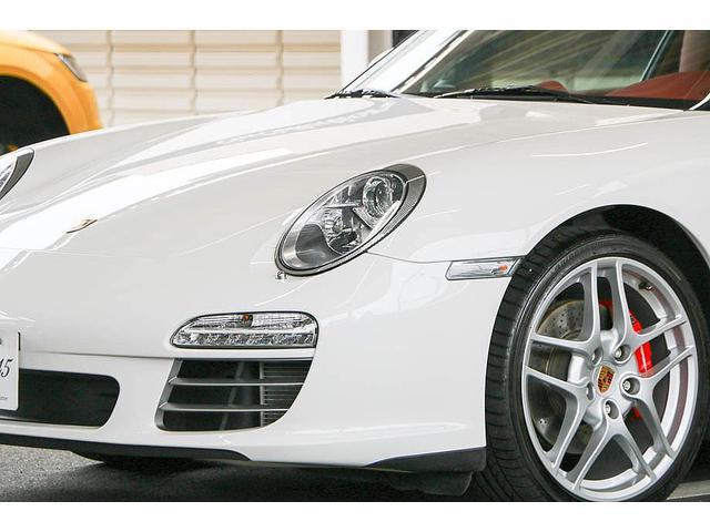 911カレラ4S 後期型 PDK 正規ディーラー車 左ハンドル スポーツクロノパッケージ オールレッドレザーインテリア シートヒーター HIDヘッドライト 純正19inホイール レッドキャリパー 純正ナビ バックカメラ(5枚目)