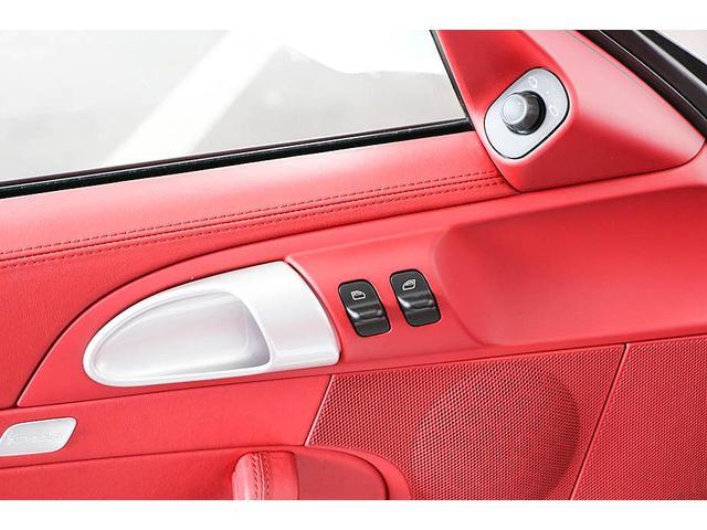911カレラ4S 後期型 PDK 正規ディーラー車 左ハンドル スポーツクロノパッケージ オールレッドレザーインテリア シートヒーター HIDヘッドライト 純正19inホイール レッドキャリパー 純正ナビ バックカメラ(67枚目)