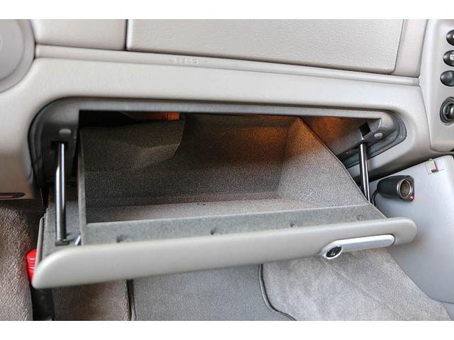 911カレラ 正規ディーラー車 右ハンドル オリエントレッド外装 後期モデル ライトグレーレザー レザーシート アルカンターラルーフライナー サンルーフ BOSEサウンドシステム ドライブレコーダー GPSレーダー(65枚目)