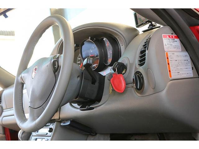 911カレラ 正規ディーラー車 右ハンドル オリエントレッド外装 後期モデル ライトグレーレザー レザーシート アルカンターラルーフライナー サンルーフ BOSEサウンドシステム ドライブレコーダー GPSレーダー(70枚目)