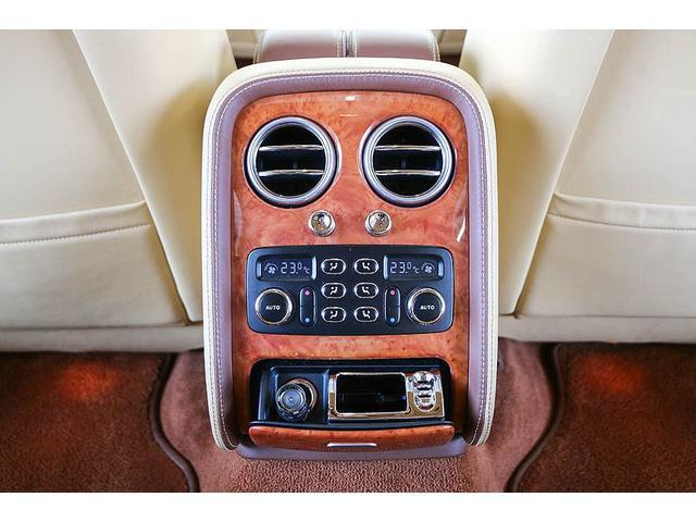 フライングスパー マイナーチェンジ後モデル 後期マンソリーエアロ/LEDライト付Fスポイラー Sスカート Rスカート グリル トランクスポイラー マフラーカッター/ 全席シートヒーター・クーラー Bluetooth接続(50枚目)