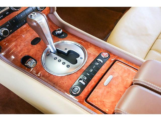 フライングスパー マイナーチェンジ後モデル 後期マンソリーエアロ/LEDライト付Fスポイラー Sスカート Rスカート グリル トランクスポイラー マフラーカッター/ 全席シートヒーター・クーラー Bluetooth接続(62枚目)