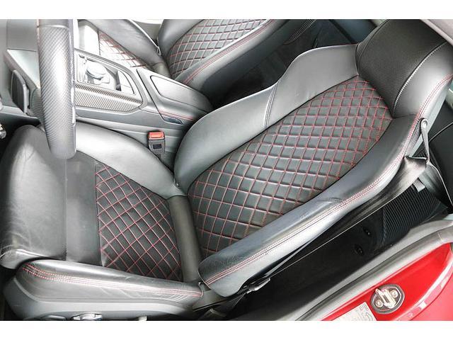 V10クーペ 5.2FSIクワトロ 正規ディーラー車 各所グロスブラック塗分 アクラポビッチマフラー KW車高調 外装スペシャルオーダーカラー ダイヤモンドキルティングレッドステッチ カーボンサイドブレード デコラティブカーボンパネル(44枚目)