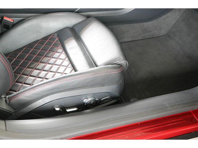 V10クーペ 5.2FSIクワトロ 正規ディーラー車 各所グロスブラック塗分 アクラポビッチマフラー KW車高調 外装スペシャルオーダーカラー ダイヤモンドキルティングレッドステッチ カーボンサイドブレード デコラティブカーボンパネル(46枚目)