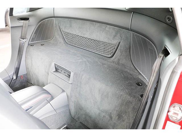 V10クーペ 5.2FSIクワトロ 正規ディーラー車 各所グロスブラック塗分 アクラポビッチマフラー KW車高調 外装スペシャルオーダーカラー ダイヤモンドキルティングレッドステッチ カーボンサイドブレード デコラティブカーボンパネル(50枚目)