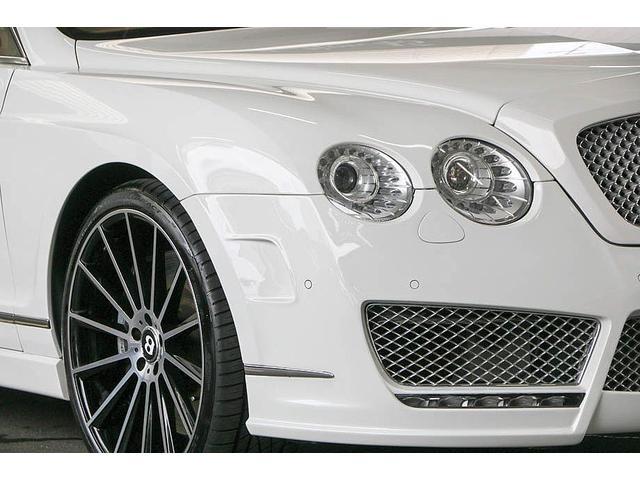 フライングスパー 正規D車 左ハンドル マンソリー後期フルエアロ/トランクスポイラー/マフラーエンド 22インチAW 後期ルックLEDヘッドライト ツートンレザーインテリア フルセグTV/バックモニター サンルーフ(8枚目)