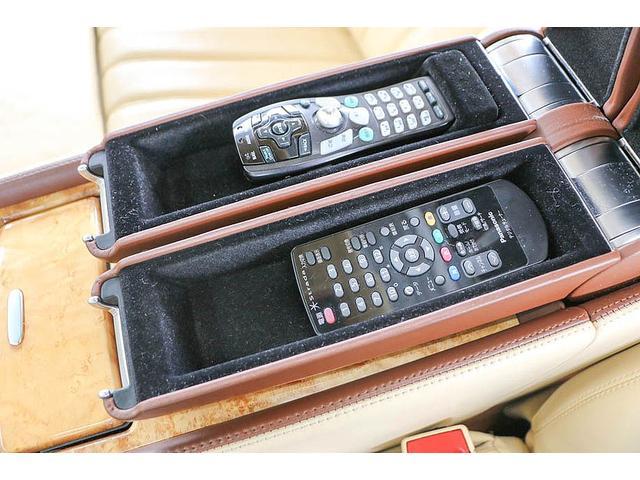 フライングスパー 正規ディーラー車 4人乗り マンソリーエアロ(フロント・サイド・リア)マンソリー22インチホイール SR ブラウン/ベージュツートンレザーインテリア インターフェイス装着(フルセグTV・バックカメラ)(65枚目)