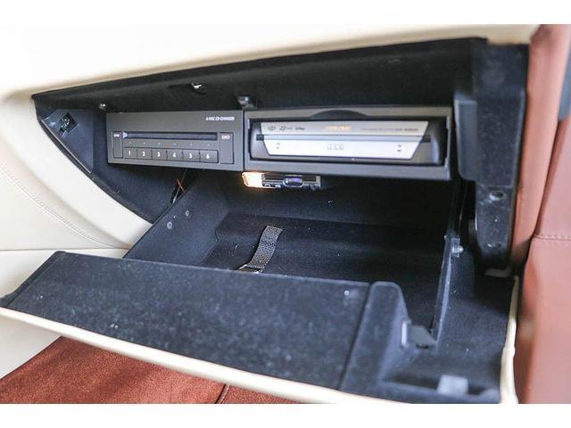 フライングスパー 正規ディーラー車 4人乗り マンソリーエアロ(フロント・サイド・リア)マンソリー22インチホイール SR ブラウン/ベージュツートンレザーインテリア インターフェイス装着(フルセグTV・バックカメラ)(67枚目)