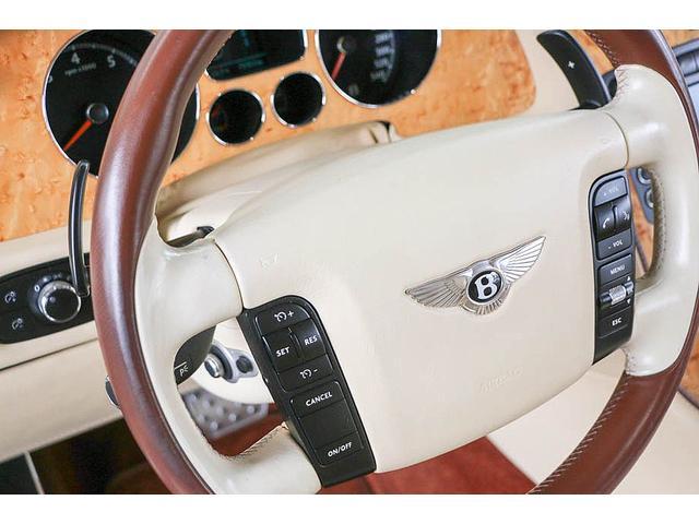 フライングスパー 正規ディーラー車 4人乗り マンソリーエアロ(フロント・サイド・リア)マンソリー22インチホイール SR ブラウン/ベージュツートンレザーインテリア インターフェイス装着(フルセグTV・バックカメラ)(70枚目)