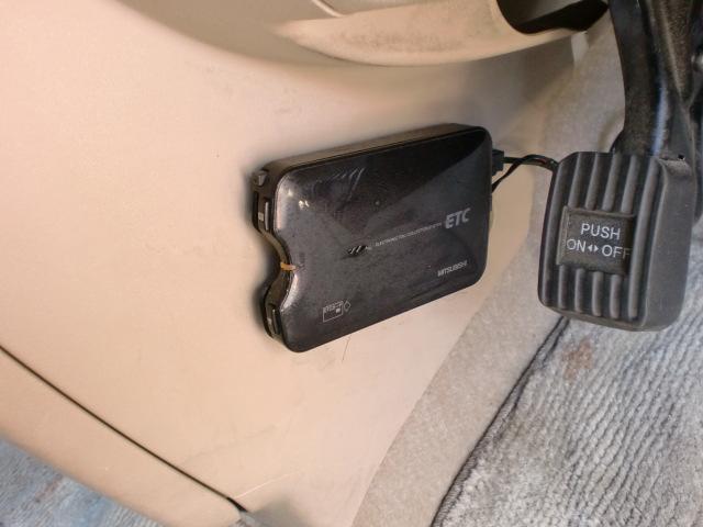 トヨタ ポルテ 130i Cパッケージ 1オーナ 社外ナビ HID 禁煙車
