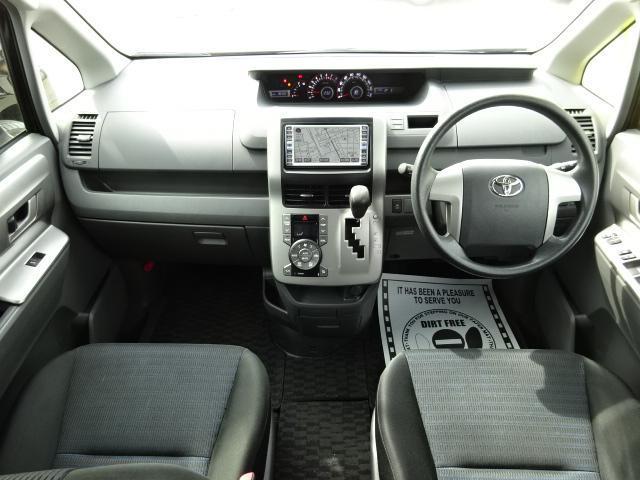 トヨタ ヴォクシー Z HDDナビDVD再生Bカメラ 電動ドア 後席モニター