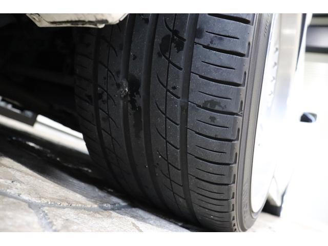 タイヤの溝しっかりとございます。