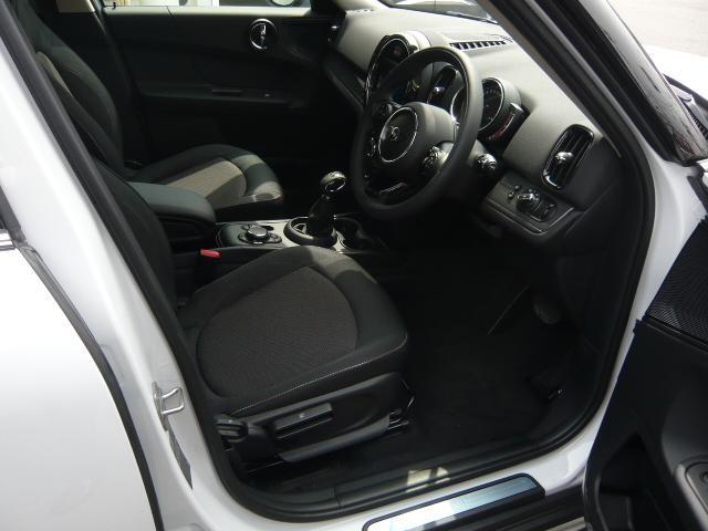 クロスオーバー バッキンガム フルセグ地デジ付き新車保証継承(4枚目)