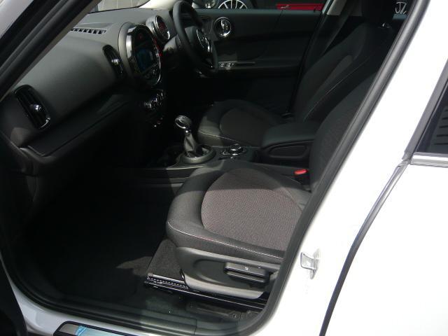 クロスオーバー バッキンガム フルセグ地デジ付き新車保証継承(8枚目)