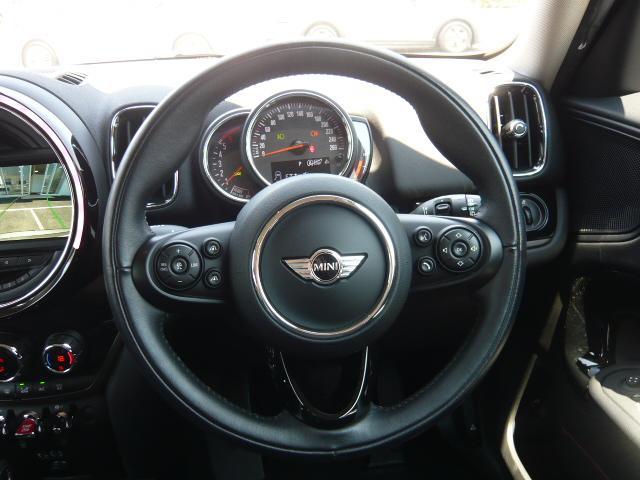 クーパーD クロスオーバー社外シートヒーター車検整備NEXT ペッパーパッケージ 18インチブラックピンスポーク ブラックルーフ&ミラーキャップ LEDヘッドライト(アダプティブ)&フォグライト 断熱フィルムBセット ブラックボンネットストライプ(10枚目)