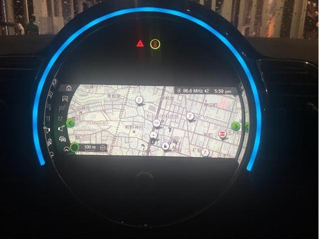 クーパーD クロスオーバー社外シートヒーター車検整備NEXT ペッパーパッケージ 18インチブラックピンスポーク ブラックルーフ&ミラーキャップ LEDヘッドライト(アダプティブ)&フォグライト 断熱フィルムBセット ブラックボンネットストライプ(68枚目)