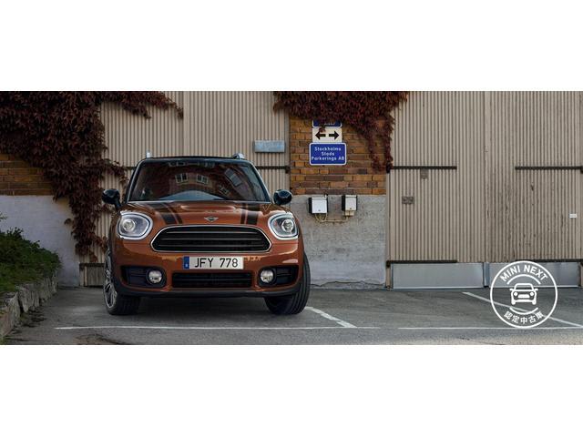 クーパーD クロスオーバー社外シートヒーター車検整備NEXT ペッパーパッケージ 18インチブラックピンスポーク ブラックルーフ&ミラーキャップ LEDヘッドライト(アダプティブ)&フォグライト 断熱フィルムBセット ブラックボンネットストライプ(70枚目)