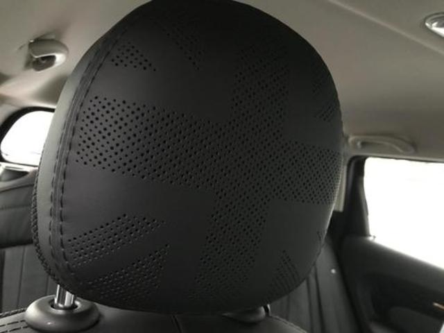 クーパーD クロスオーバー社外シートヒーター車検整備NEXT ペッパーパッケージ 18インチブラックピンスポーク ブラックルーフ&ミラーキャップ LEDヘッドライト(アダプティブ)&フォグライト 断熱フィルムBセット ブラックボンネットストライプ(77枚目)