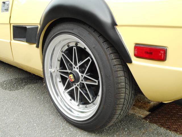 ディーラー車 左ハンドル 4MT(17枚目)