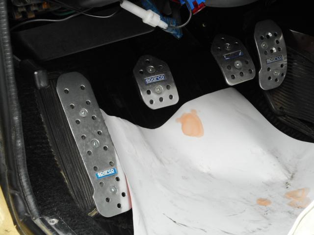 ディーラー車 左ハンドル 4MT(21枚目)
