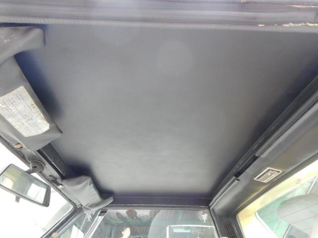 ディーラー車 左ハンドル 4MT(28枚目)