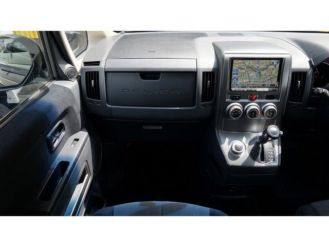 三菱 デリカD:5 GパワーPKG4WD アルパイン8インチナビ フリップダウン
