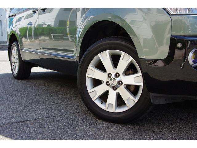 三菱 デリカD:5 GパワーPKG4WD両側電動Bluetoothオーディオ同色