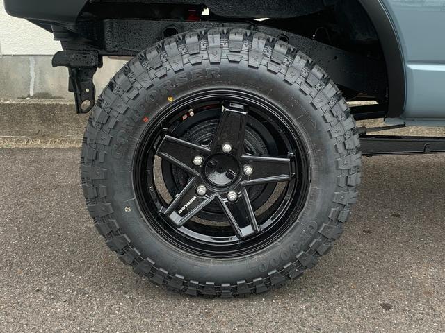 XC Jeep純正アンヴィル 3インチリフト カスタム車 ショートバンパー スキッドプレート ナンバー移動 MTタイヤ 左出しマフラー フェンダーミラー&リヤドアスムージング フェンダーミラー車検対策済(15枚目)