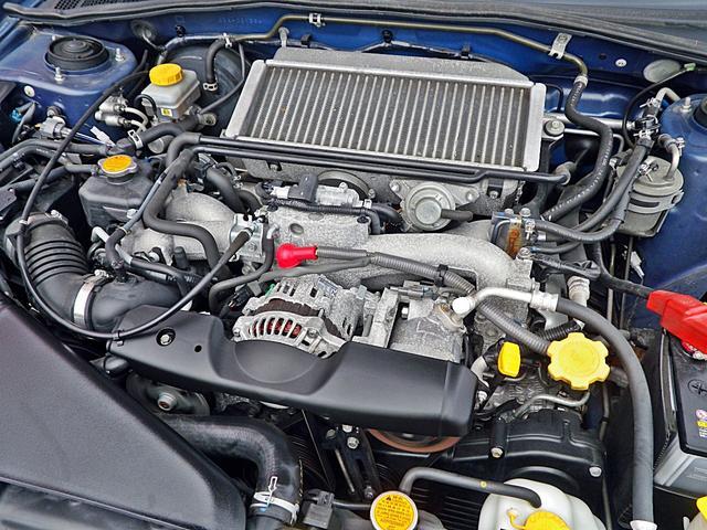 スバル インプレッサ WRX 4WDターボスポーツAT搭載エアロパーツ